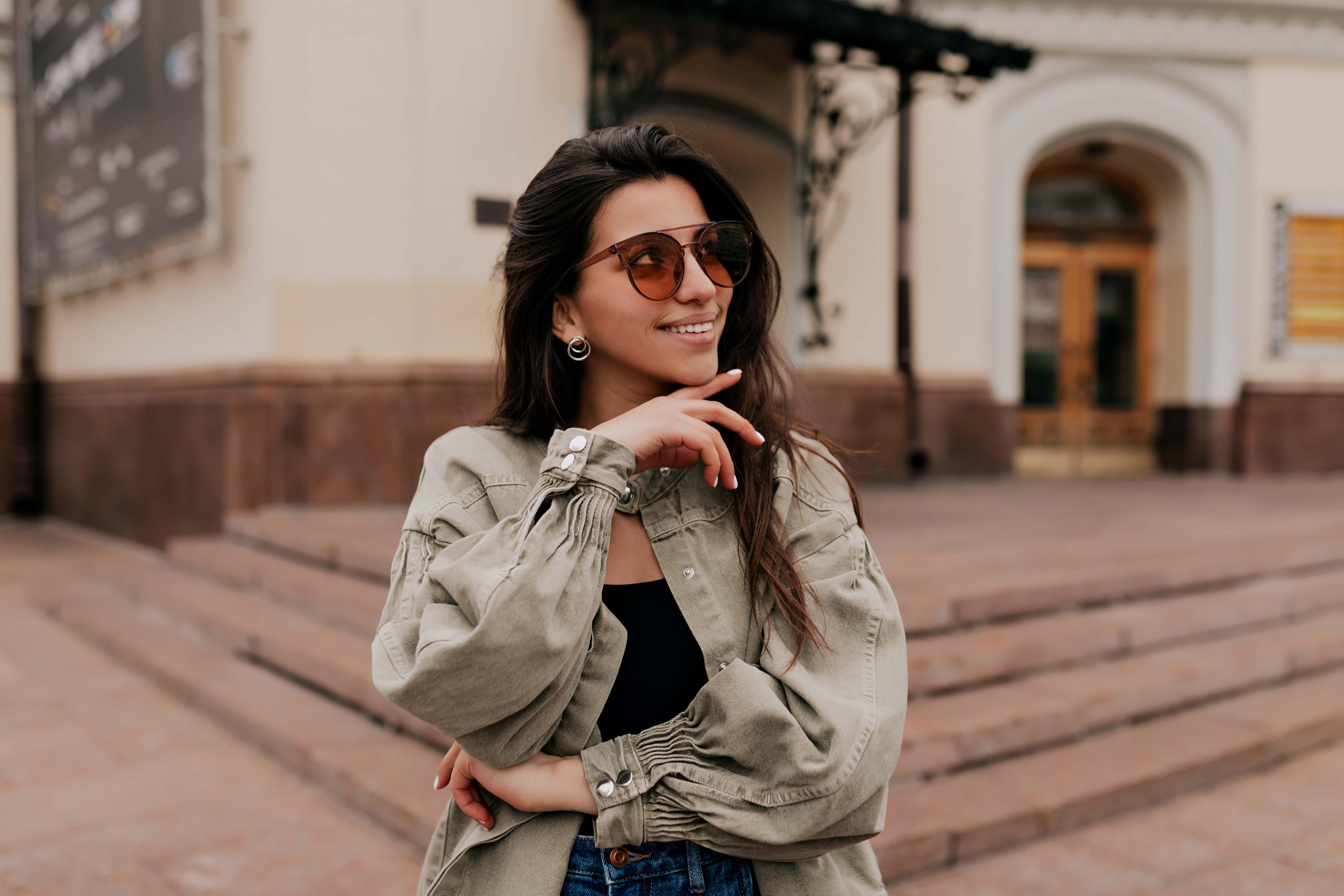 (P) Cele mai faimoase branduri de ochelari de soare must have pentru un look stilat