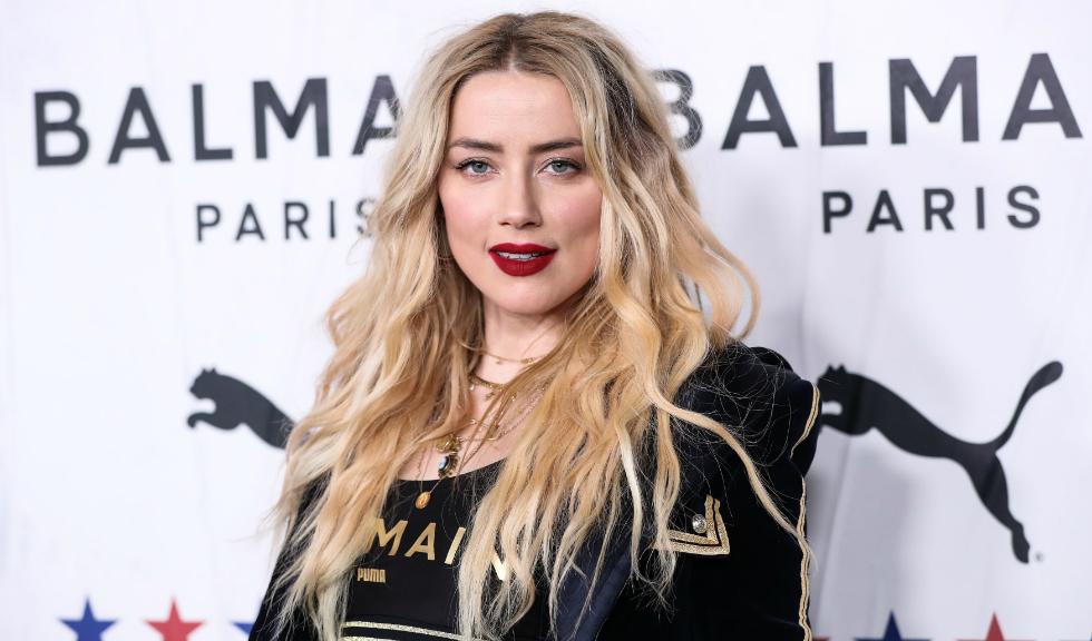 Amber Heard a devenit mamă! Prima imagine cu fetița actriței