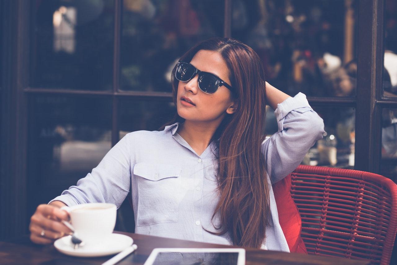 (P) Spune-mi unde mergi, ca să îți spun ce ochelari să porți