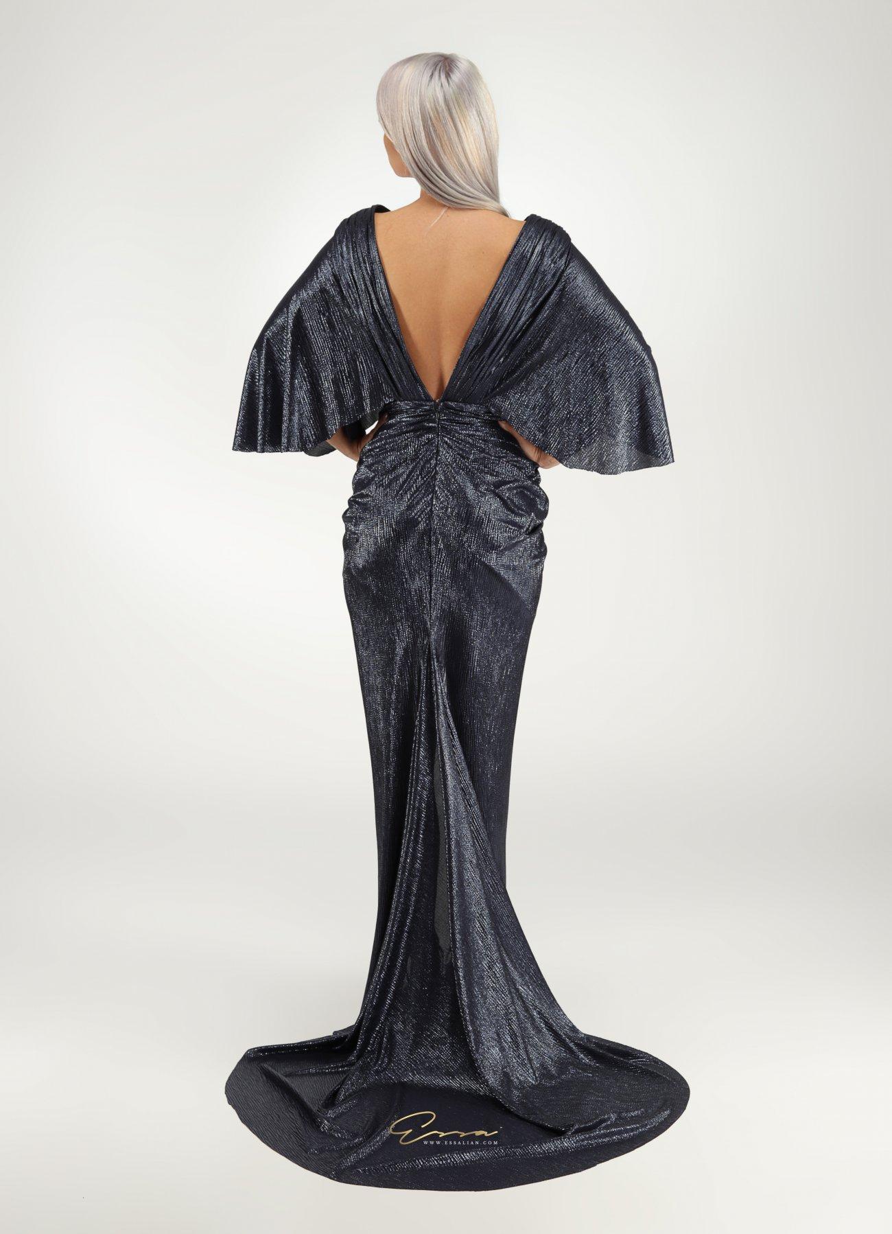 (P) Cum să te simți divin purtând ținuta perfectă pentru tine, creată de Essa Lian