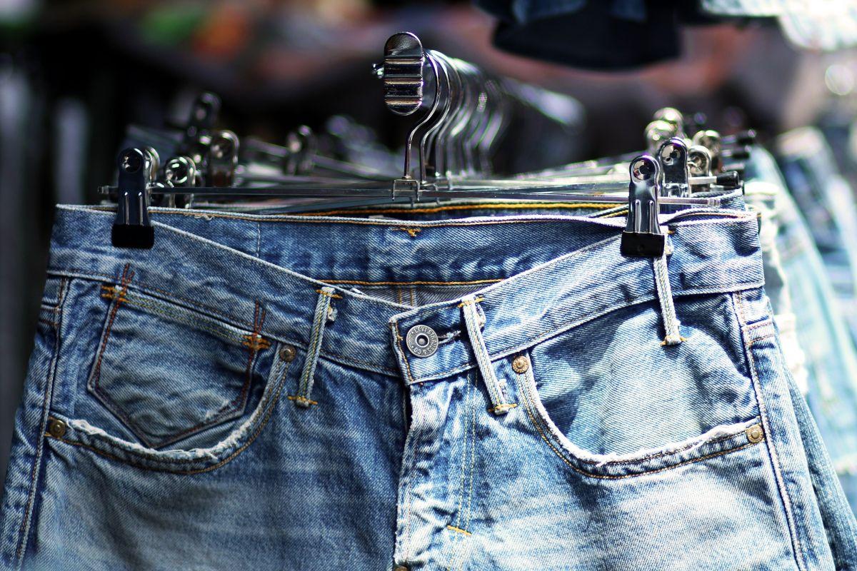 (P) Sunt jeanșii universali? Află cum să îți îmbunătățești stilul cu cea mai versatilă piesă vestimentară!