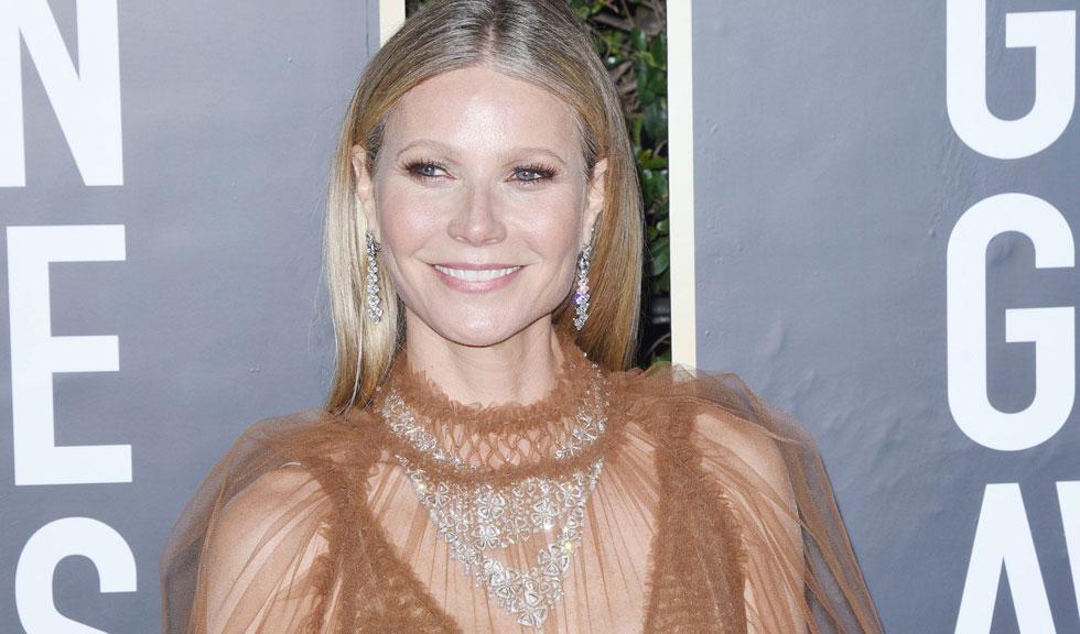 Gwyneth Paltrow, apariție inedită în costum de baie la 48 de ani