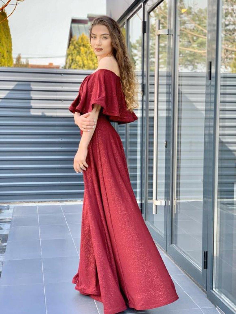 (P) Ramona Bădescu – eshop cu rochii pentru fiecare tip de personalitate