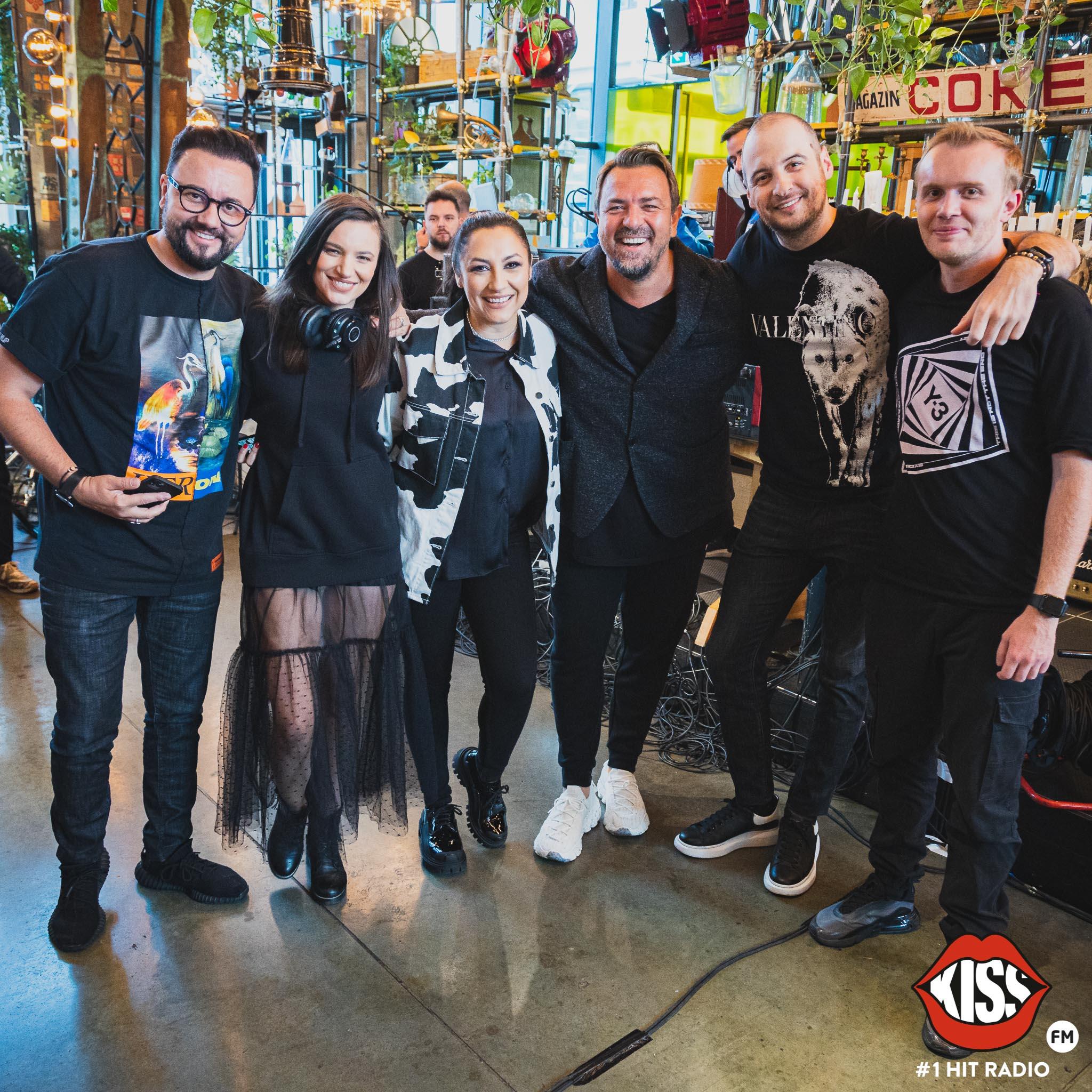 """""""Foarte BUNĂ dimineața cu Andrei, Ionuț și Ana"""" Cei mai mari artiști români prezenți  la lansarea matinalului Kiss FM"""