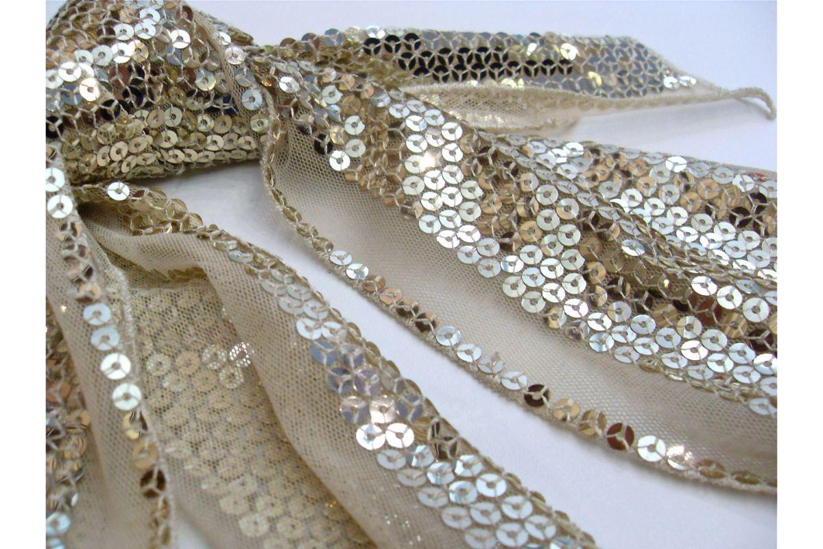 Metode de a folosi paietele în mod creativ pentru îmbrăcăminte și decorațiuni