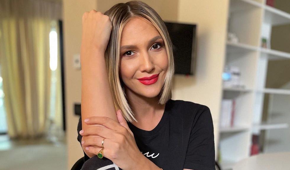 Adela Popescu are COVID-19. Cum se simte acum prezentatoarea TV