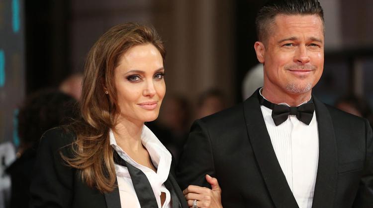 Angelina Jolie îi face în ciudă lui Brad Pitt. Ce amintire valoroasă a vândut actrița